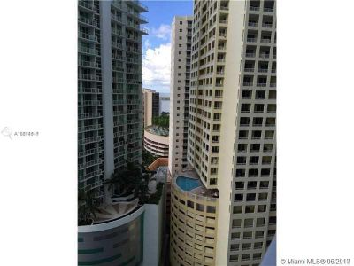 1300 Brickell Bay Dr #1807 photo02