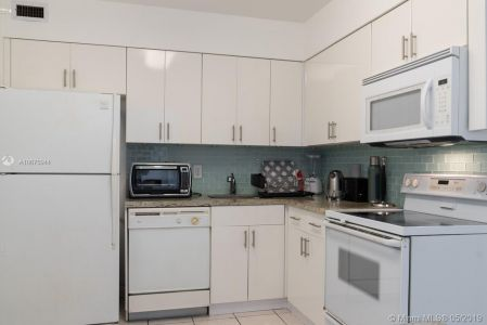 5151 Collins Ave #1621 photo013