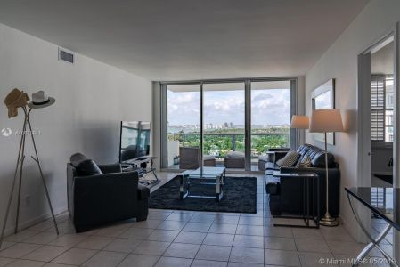5151 Collins Ave #1621 photo04