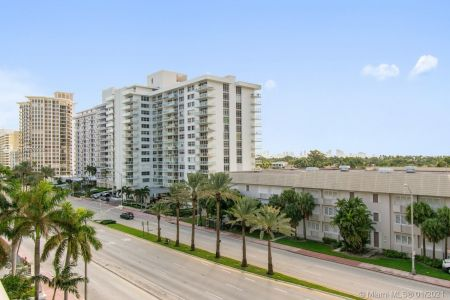 5825 Collins Ave #6B photo020