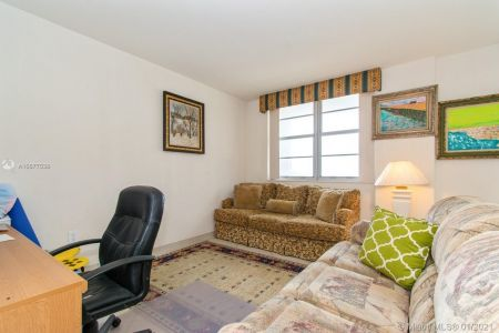 5825 Collins Ave #6B photo027