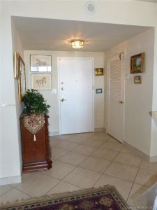 5825 Collins Ave #6B photo028