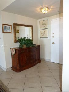 5825 Collins Ave #6B photo029