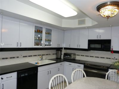 5825 Collins Ave #6B photo033