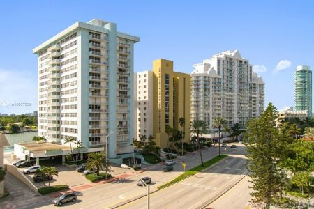 5825 Collins Ave #6B photo04
