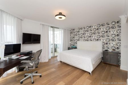 5801 Collins Ave #1000 photo021
