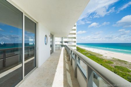 5801 Collins Ave #1000 photo03
