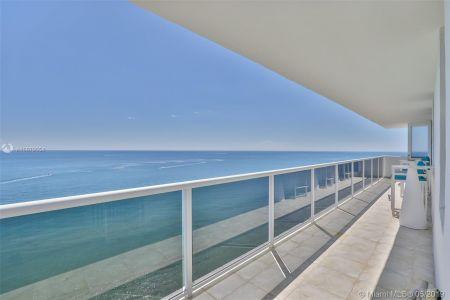 3725 S Ocean #PH1 photo01