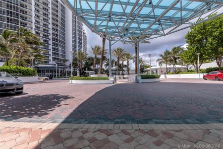 18201 Collins Ave #503 photo032