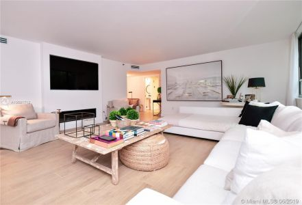 10175 Collins Ave #108 photo02