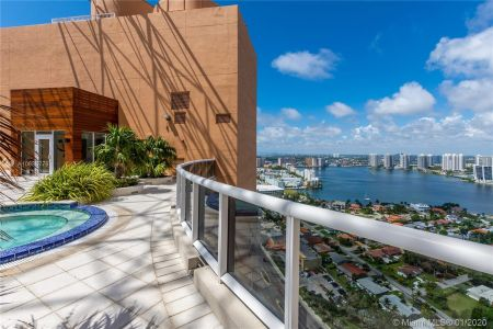 18911 Collins Ave #504 photo027