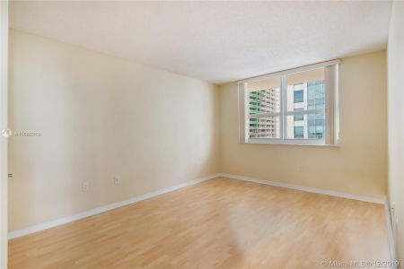1155 BRICKELL BAY DR #1702 photo010