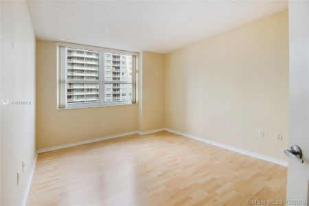 1155 BRICKELL BAY DR #1702 photo07