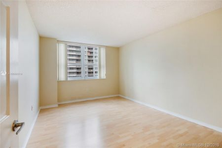 1155 BRICKELL BAY DR #1702 photo08