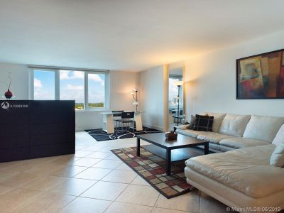 2301 Collins Ave #832 photo09