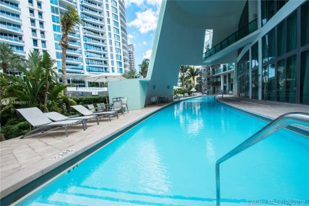 6000 Collins Ave #306 photo010