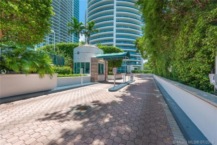 2127 Brickell Ave #1901 photo020