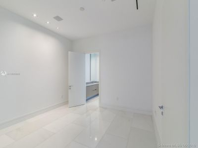 17141 Collins Ave #401 photo015