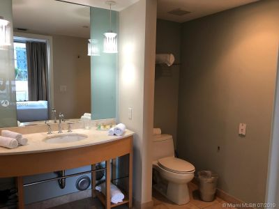 18683 Collins Ave #508 photo017