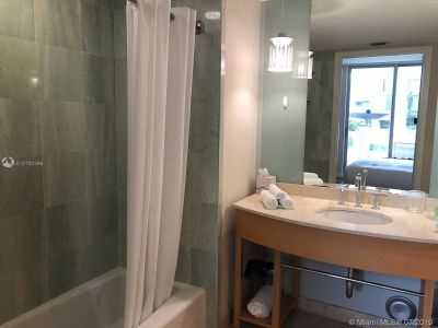18683 Collins Ave #508 photo025