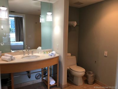 18683 Collins Ave #508 photo027