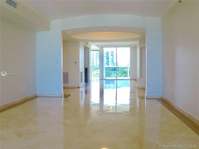 18911 Collins Ave #604 photo015
