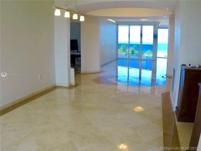 18911 Collins Ave #604 photo016