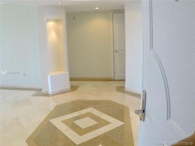 18911 Collins Ave #604 photo03