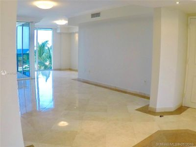 18911 Collins Ave #604 photo04