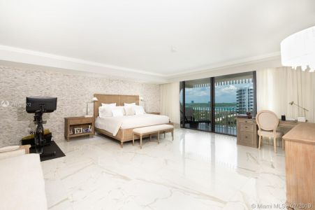 10205 Collins Ave #1004- RENOVATED photo011