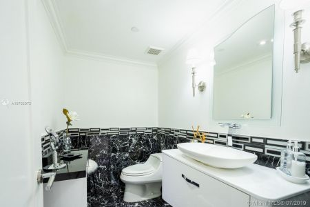 10205 Collins Ave #1004- RENOVATED photo022