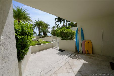 19111 Collins Ave #107 photo011