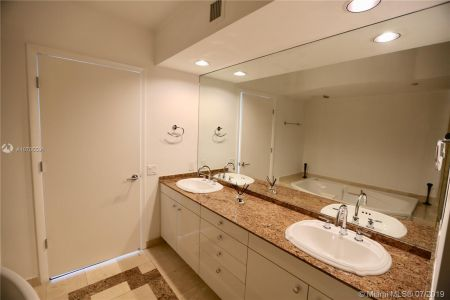 19111 Collins Ave #107 photo019