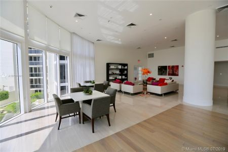 19111 Collins Ave #107 photo028