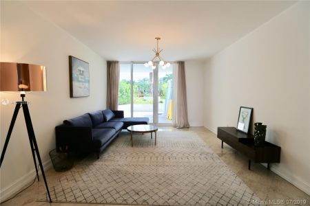 19111 Collins Ave #107 photo06
