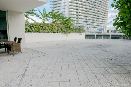 19111 Collins Ave #107 photo09