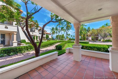 15511 Fisher Island Dr #15511 photo01