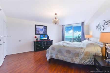 18911 Collins Ave #603 photo09