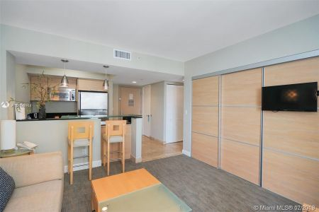 18683 Collins Ave #510 photo02