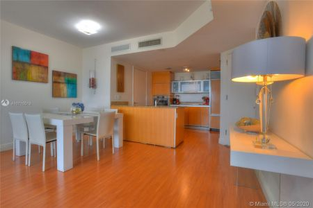 17201 Collins Ave #1609 photo08