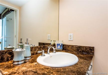 17555 Collins Ave #3203 photo019