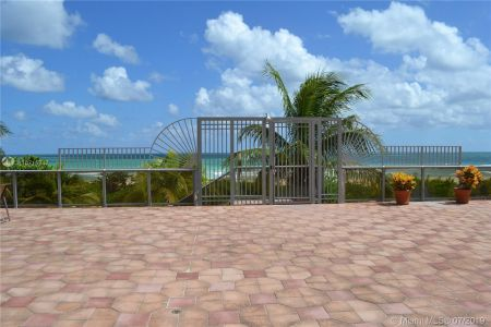 6039 Collins Ave #310 photo023