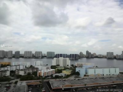 18001 Collins Ave #618 photo07