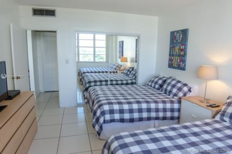 5601 Collins Ave #521 photo021