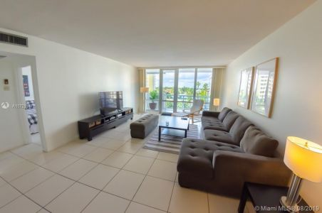 5601 Collins Ave #521 photo023