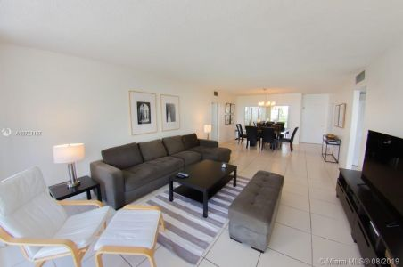 5601 Collins Ave #521 photo027