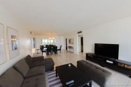 5601 Collins Ave #521 photo028