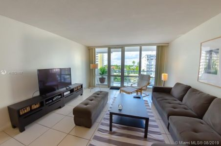 5601 Collins Ave #521 photo030