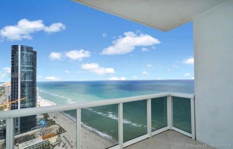 18201 Collins Ave #4802 photo016