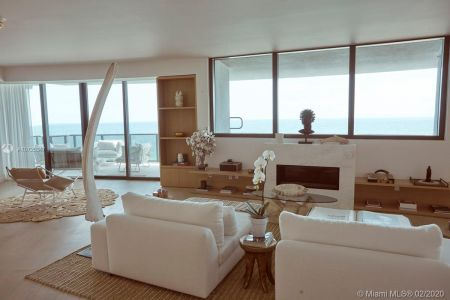 18555 Collins Ave #801 photo011